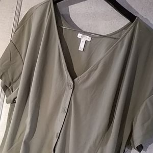 Leith Green Short Sleeve Button Front Blouse 4X